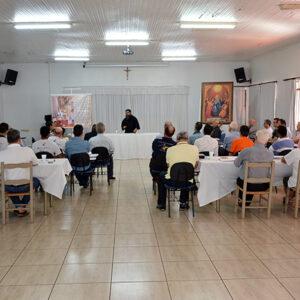 Monge beneditino prega retiro para Palotinos no Paraná