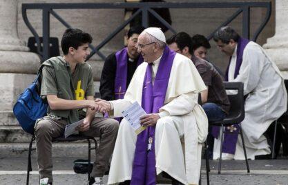 Papa sobre a confissão: receber amor divino, passando da miséria à misericórdia